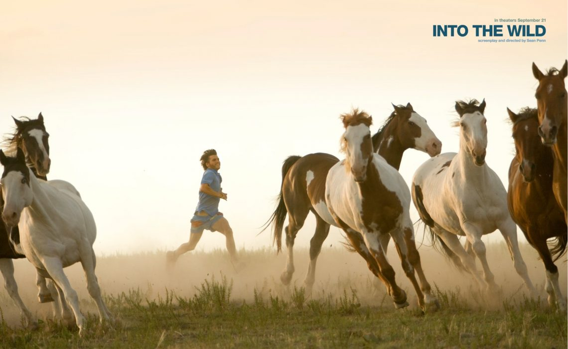 """Review Film """"Into The Wild""""; Menilik Nilai Minimalisme Tentang Kebebasan & Kebahagiaan"""