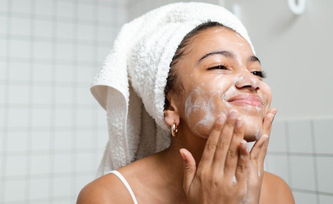 Gonta Ganti Skincare Memicu Perilaku Konsumtif yang Tidak Sehat